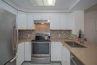 """Photo 10: 304 55 E 10TH Avenue in Vancouver: Mount Pleasant VE Condo for sale in """"ABBEY LANE"""" (Vancouver East)  : MLS®# R2526018"""