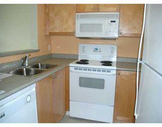 "Photo 4: 305 260 NEWPORT DR in Port Moody: North Shore Pt Moody Condo for sale in ""NEWPORT VILLAGE"" : MLS®# V586137"