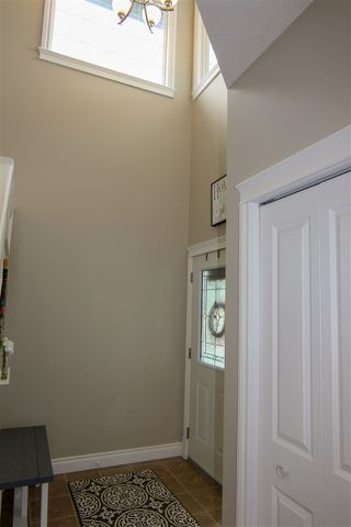 Photo 2: 2 WHITNEY Terrace: Fort Saskatchewan House for sale : MLS®# E4169327