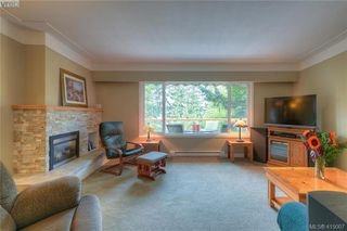 Photo 4: 5236 Santa Clara Avenue in VICTORIA: SE Cordova Bay Single Family Detached for sale (Saanich East)  : MLS®# 415007