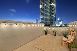 Photo 5: DOWNTOWN Condo for sale : 2 bedrooms : 550 Park Blvd #2607 in San Diego