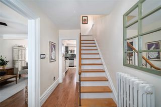 Photo 2: 2 Kirknewton Road in Toronto: Caledonia-Fairbank House (2-Storey) for sale (Toronto W03)  : MLS®# W4832621