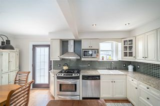 Photo 11: 2 Kirknewton Road in Toronto: Caledonia-Fairbank House (2-Storey) for sale (Toronto W03)  : MLS®# W4832621
