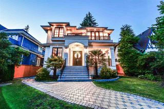 Photo 2: 3815 W 39TH Avenue in Vancouver: Dunbar House for sale (Vancouver West)  : MLS®# R2476842