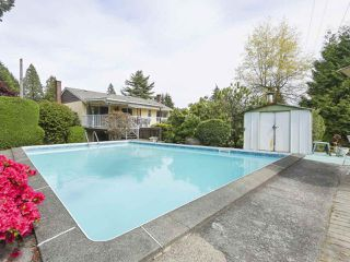 Photo 18: 1367 BRIARLYNN Crescent in North Vancouver: Westlynn House for sale : MLS®# R2388513