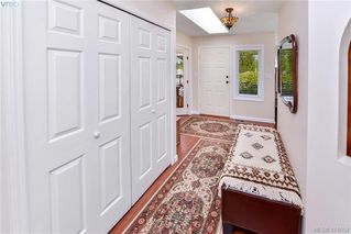 Photo 3: 1179 Sunnybank Court in VICTORIA: SE Sunnymead Single Family Detached for sale (Saanich East)  : MLS®# 414054