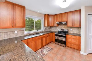 Photo 9: 1179 Sunnybank Court in VICTORIA: SE Sunnymead Single Family Detached for sale (Saanich East)  : MLS®# 414054