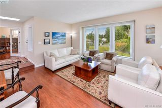 Photo 6: 1179 Sunnybank Court in VICTORIA: SE Sunnymead Single Family Detached for sale (Saanich East)  : MLS®# 414054
