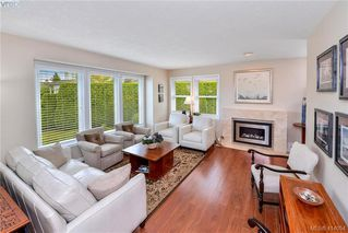 Photo 4: 1179 Sunnybank Court in VICTORIA: SE Sunnymead Single Family Detached for sale (Saanich East)  : MLS®# 414054