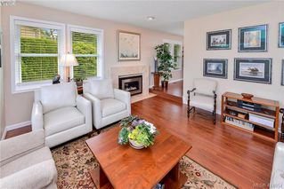 Photo 5: 1179 Sunnybank Court in VICTORIA: SE Sunnymead Single Family Detached for sale (Saanich East)  : MLS®# 414054