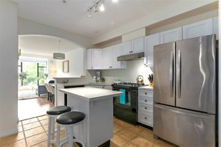 "Photo 2: 311 2175 SALAL Drive in Vancouver: Kitsilano Condo for sale in ""SAVONA"" (Vancouver West)  : MLS®# R2394725"