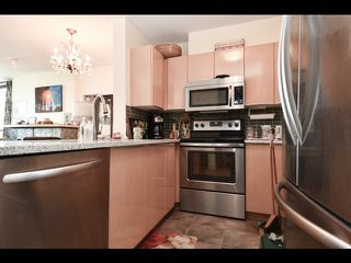 Photo 9: 803 1003 PACIFIC Street in Vancouver: West End VW Condo for sale (Vancouver West)  : MLS®# R2397725