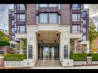 Photo 5: 803 1003 PACIFIC Street in Vancouver: West End VW Condo for sale (Vancouver West)  : MLS®# R2397725