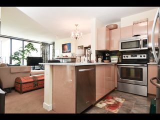 Photo 2: 803 1003 PACIFIC Street in Vancouver: West End VW Condo for sale (Vancouver West)  : MLS®# R2397725