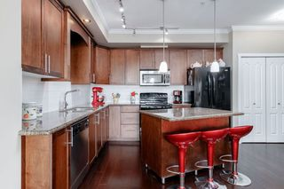 """Photo 1: 303 2627 SHAUGHNESSY Street in Port Coquitlam: Central Pt Coquitlam Condo for sale in """"VILLAGIO"""" : MLS®# R2418737"""