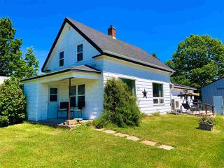 Photo 1: 2400 North Avenue in Canning: 404-Kings County Residential for sale (Annapolis Valley)  : MLS®# 202010722