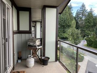 """Photo 3: 412 2038 SANDALWOOD Crescent in Abbotsford: Central Abbotsford Condo for sale in """"The Element"""" : MLS®# R2490142"""