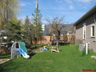 Photo 12: 230 - 1st Street S.E. in Salmon Arm: Downtown Residential Detached for sale : MLS®# 9228233