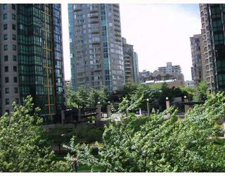 """Photo 8: 509 1333 W GEORGIA Street in Vancouver: Coal Harbour Condo for sale in """"QUBE"""" (Vancouver West)  : MLS®# V654810"""