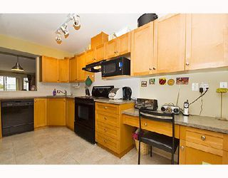 """Photo 2: 23 1203 MADISON Avenue in Burnaby: Willingdon Heights Townhouse for sale in """"MADISON GARDENS"""" (Burnaby North)  : MLS®# V667681"""