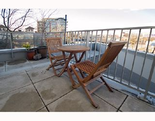 "Photo 9: 317 328 E 11TH Avenue in Vancouver: Mount Pleasant VE Condo for sale in ""UNO"" (Vancouver East)  : MLS®# V687450"