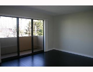 "Photo 3: 301 349 E 6TH Avenue in Vancouver: Mount Pleasant VE Condo for sale in ""LANDMARK HOUSE"" (Vancouver East)  : MLS®# V702040"