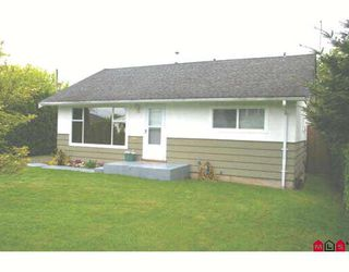 Photo 1: 9710 HEMLOCK Street in Chilliwack: Chilliwack N Yale-Well House for sale : MLS®# H2802392