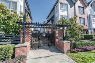 "Photo 2: 32 6868 BURLINGTON Avenue in Burnaby: Metrotown Townhouse for sale in ""Metro"" (Burnaby South)  : MLS®# R2403325"
