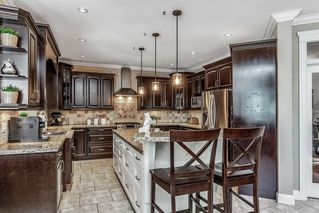 """Photo 5: 21639 93 Avenue in Langley: Walnut Grove House for sale in """"Redwood Estates - Walnut Grove"""" : MLS®# R2455287"""