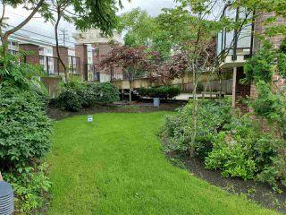 "Photo 13: 317 13883 LAUREL Drive in Surrey: Whalley Condo for sale in ""EMERALD HEIGHTS"" (North Surrey)  : MLS®# R2477039"