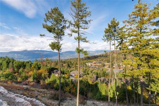 Photo 2: 474 Longspoon Place, in Vernon: House for sale : MLS®# 10193083