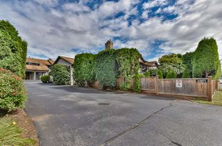 """Photo 2: A 33871 MARSHALL Road in Abbotsford: Central Abbotsford Townhouse for sale in """"Marshall Heights"""" : MLS®# R2494267"""