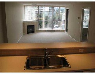 """Photo 4: 204 295 GUILDFORD Way in Port Moody: North Shore Pt Moody Condo for sale in """"THE BENTLEY"""" : MLS®# V639019"""
