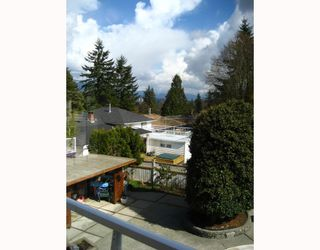 """Photo 3: 48 MOUNT ROYAL Drive in Port_Moody: College Park PM House for sale in """"COLLEGE PARK"""" (Port Moody)  : MLS®# V696824"""