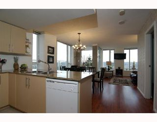 "Photo 9: 2405 550 TAYLOR Street in Vancouver: Downtown VW Condo for sale in ""THE TAYLOR"" (Vancouver West)  : MLS®# V699646"