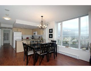 "Photo 1: 2405 550 TAYLOR Street in Vancouver: Downtown VW Condo for sale in ""THE TAYLOR"" (Vancouver West)  : MLS®# V699646"