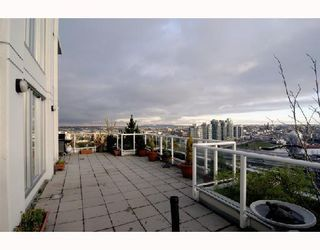 "Photo 6: 2405 550 TAYLOR Street in Vancouver: Downtown VW Condo for sale in ""THE TAYLOR"" (Vancouver West)  : MLS®# V699646"