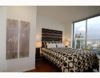 "Photo 5: 2405 550 TAYLOR Street in Vancouver: Downtown VW Condo for sale in ""THE TAYLOR"" (Vancouver West)  : MLS®# V699646"