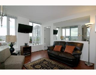"Photo 2: 2405 550 TAYLOR Street in Vancouver: Downtown VW Condo for sale in ""THE TAYLOR"" (Vancouver West)  : MLS®# V699646"