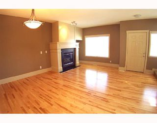 Photo 2: 8536 wentworth Drive SW in CALGARY: West Springs Townhouse for sale (Calgary)  : MLS®# C3326850