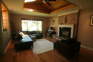 Photo 4: 2665 Violet Street in North Vancouver: Blueridge NV House for sale : MLS®# V768163