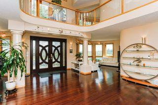 Photo 2: 8771 STRATHEARN Crescent in Edmonton: Zone 18 House for sale : MLS®# E4167060