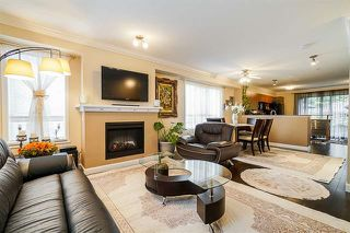 Photo 3: 130 6747 203 Street in Langley: Willoughby Heights Townhouse for sale : MLS®# R2374351