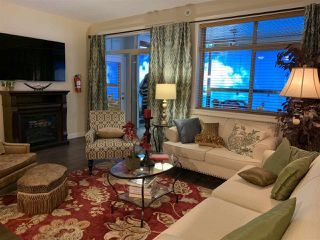 Photo 3: 504 8558 202B Street in Langley: Willoughby Heights Condo for sale : MLS®# R2425385