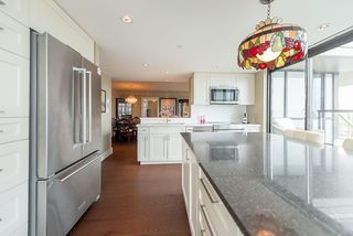 """Photo 8: 2901 1367 ALBERNI Street in Vancouver: West End VW Condo for sale in """"The Lions"""" (Vancouver West)  : MLS®# R2428959"""