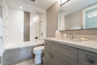 """Photo 13: 2901 1367 ALBERNI Street in Vancouver: West End VW Condo for sale in """"The Lions"""" (Vancouver West)  : MLS®# R2428959"""
