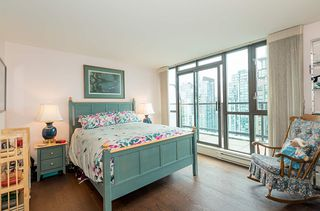 """Photo 10: 2901 1367 ALBERNI Street in Vancouver: West End VW Condo for sale in """"The Lions"""" (Vancouver West)  : MLS®# R2428959"""