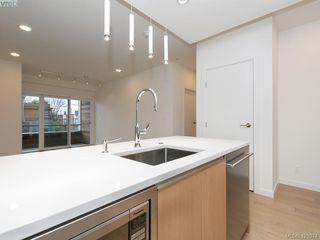 Photo 10: 214 1033 Cook St in VICTORIA: Vi Downtown Condo for sale (Victoria)  : MLS®# 831950