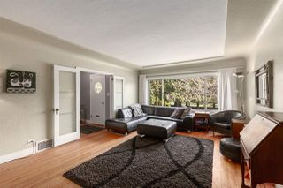 Photo 3: 5755 PRINCE ALBERT Street in Vancouver: Fraser VE House for sale (Vancouver East)  : MLS®# R2436143