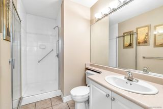 """Photo 8: 64 6885 184 Street in Surrey: Cloverdale BC Townhouse for sale in """"Creekside"""" (Cloverdale)  : MLS®# R2446428"""